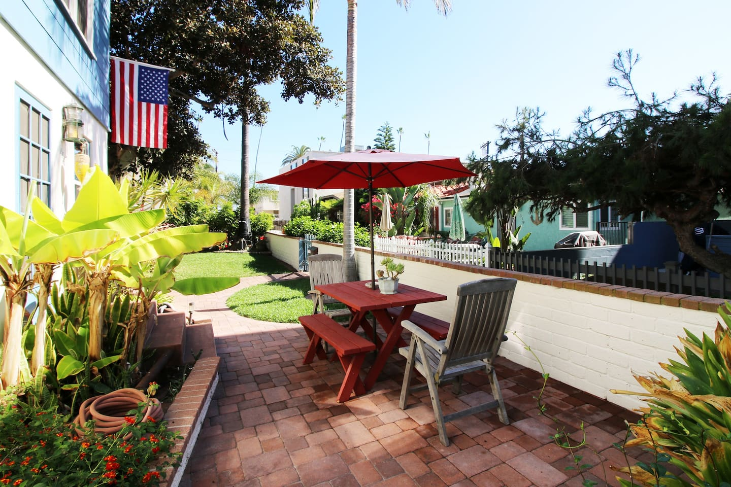 Front patio for 814 Ensenada Ct. Outdoor dining just outside the front door.