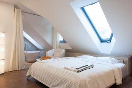 Charming room in Prague - Praha - Huoneisto