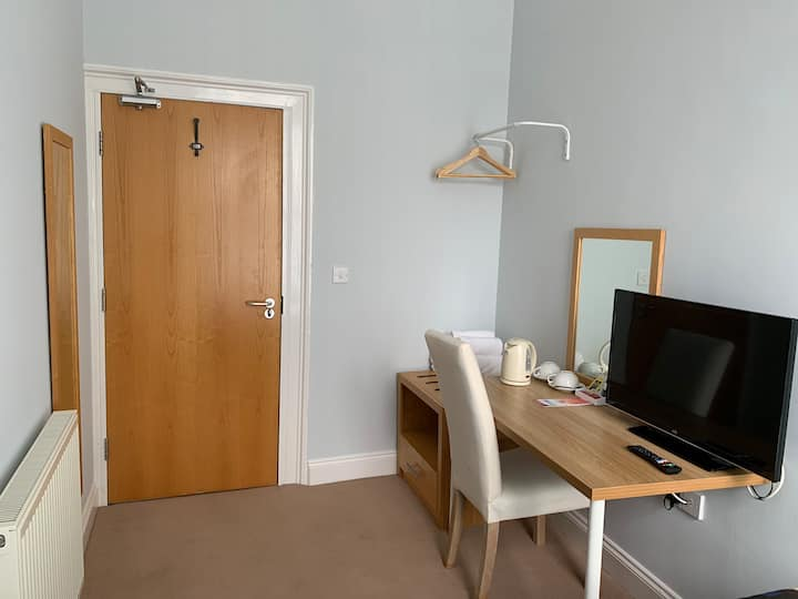 5, The Corner Rooms