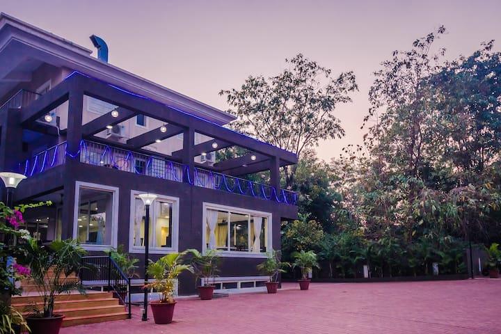 2 BHK Luxury Apartment with Pool in Anjuna Vagator