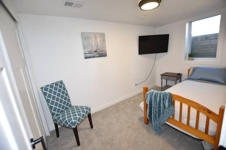 The Urban Haven - Luxury Minneapolis Home (Room D)