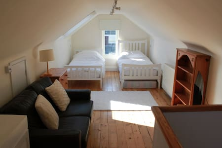 Beautiful Twin Bed Room In Peacehaven
