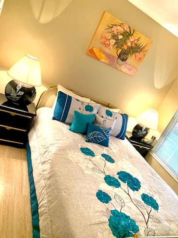 Room near downtown Orlando and all attractions