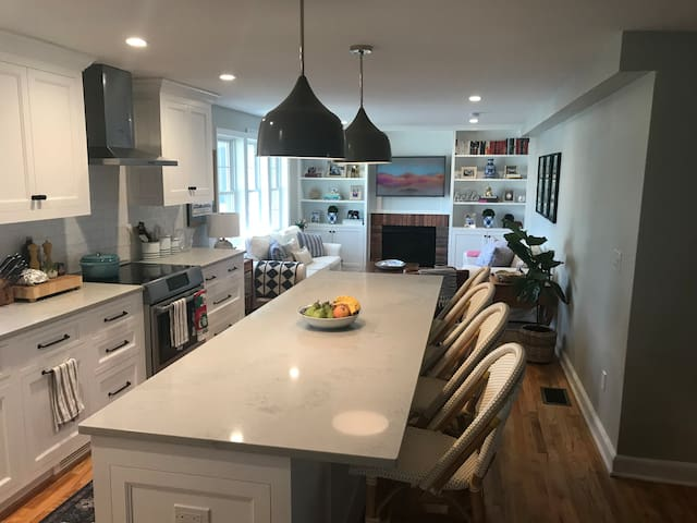 Gorgeous, Newly Remodeled Fairfield Cape!