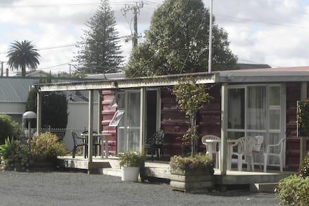 Dargaville Campervan Park and cabin - Dargaville - Kisház