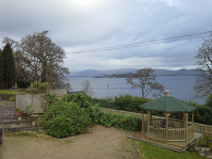 Apartment with panoramic views across Loch Lomond