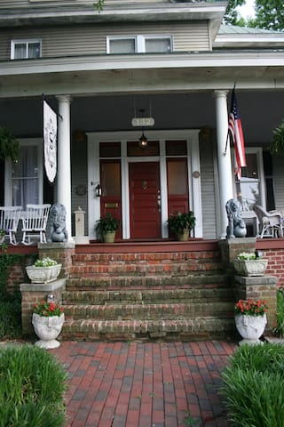 Serviam Guest House - Petersburg - Bed & Breakfast