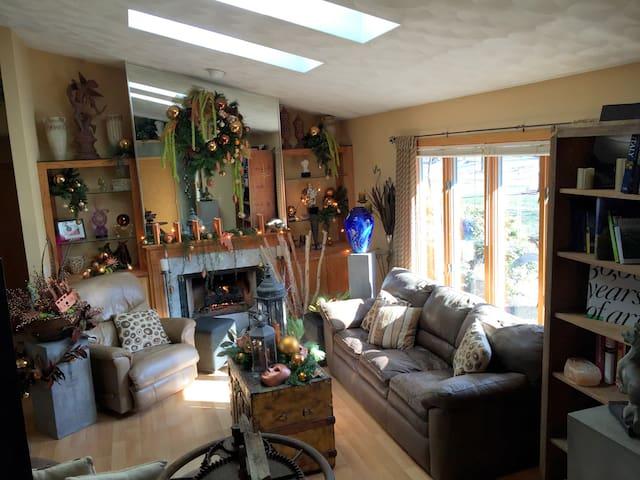 Artist's Home & Woodland Garden