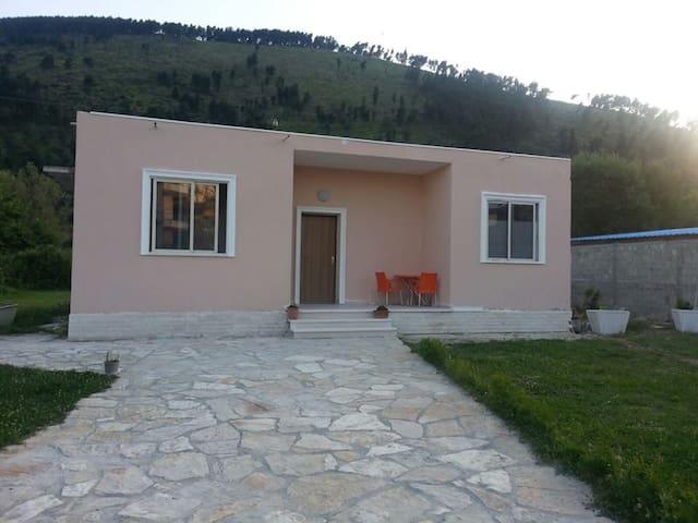 Guest House Niko - Berat - Berat - Pensió