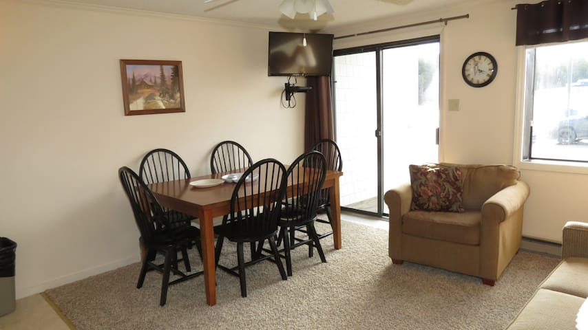 Unit-329*2BR/2BA*Ski in/Ski out*Free Parking+Wifi - Snowshoe
