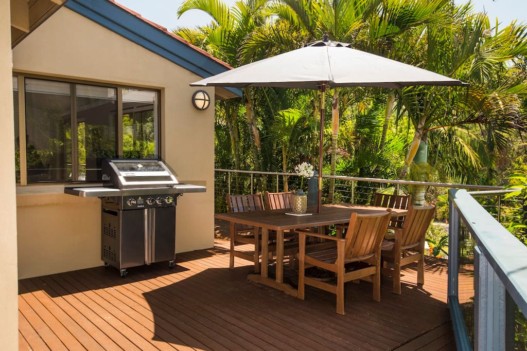 The outdoor area with BBQ