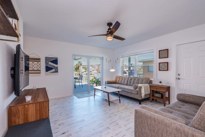 Bay Front 2 Bedroom Apartment