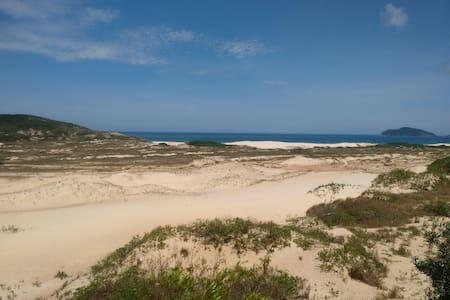 Casa Dunas - 300 metros da praia - 플로리아노폴리스