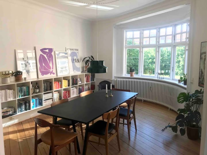Bright and spacious apartment in central Aarhus