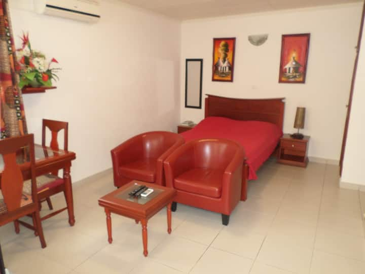 Cosy & charming studio near : Airport, restaurants