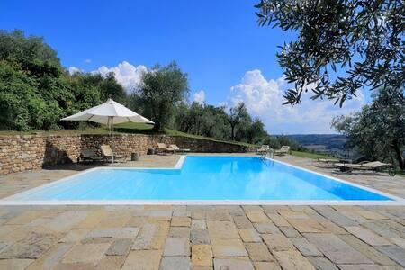 Villa la Collina - Montefiridolfi