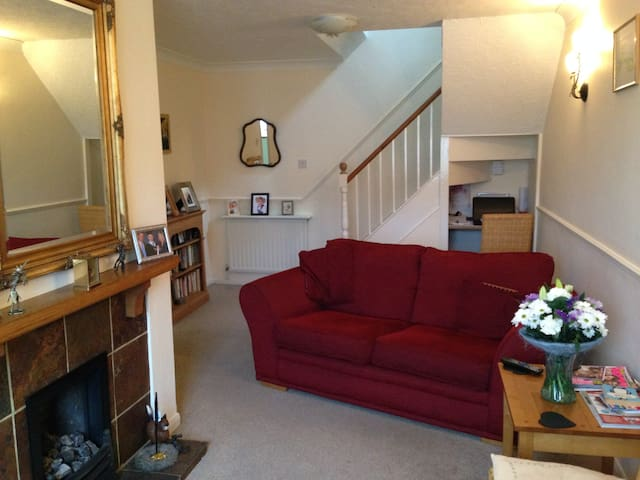 Tidy Double Bedroom, Bathroom & Guest Lounge - Tiverton