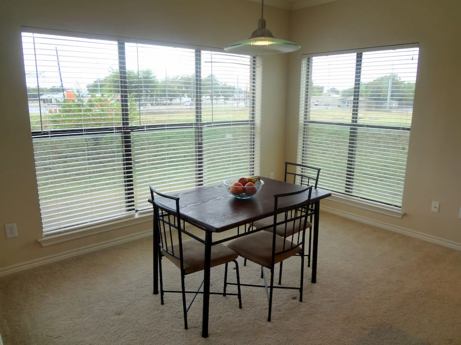 Across from landa park and downtown apartments for rent for Apartments in new braunfels tx