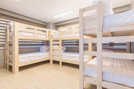 제이제이스테이 6인실 (JJ_Stay 6-bed dom.) - Altres