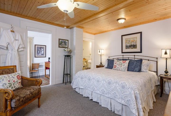 #2 Blue Ridge Room at Oakland Cottage B&B