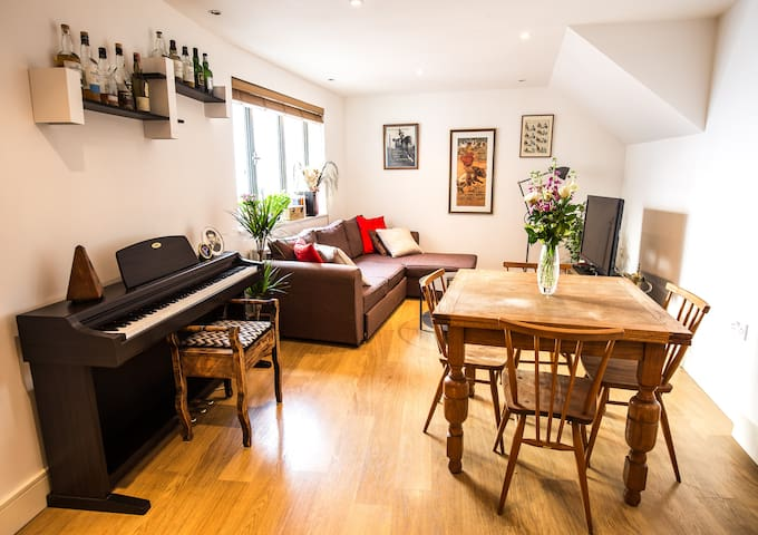 Beautiful 2-bed apartment on Bermondsey Street