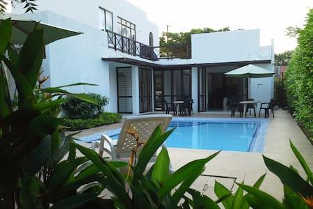 Casa de Verano moderna Girardot -Peñalisa