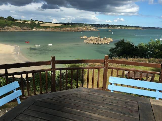 Sur la plage de Port Manec'h - 220m2  - vue