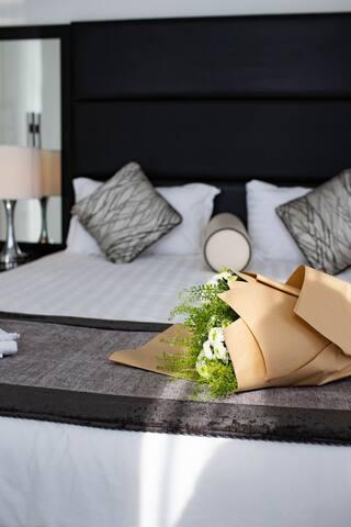 Luxury Furnished Studio Apartment @ Roma D10