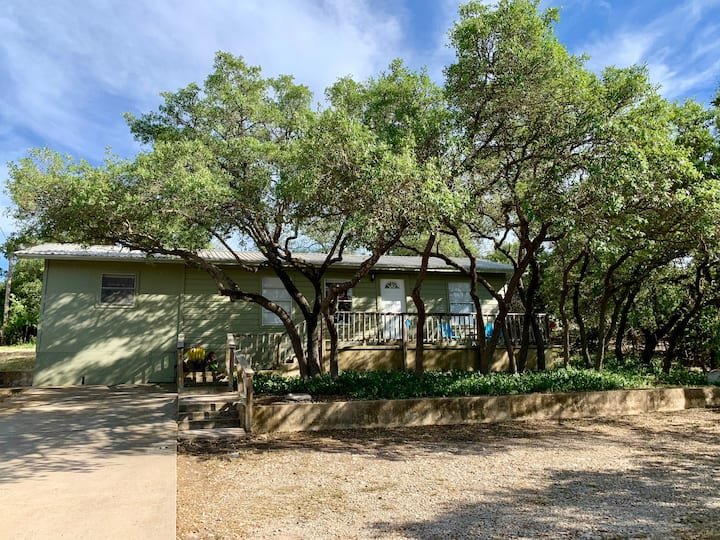 Casa Serape - Country Feel within City Limits!