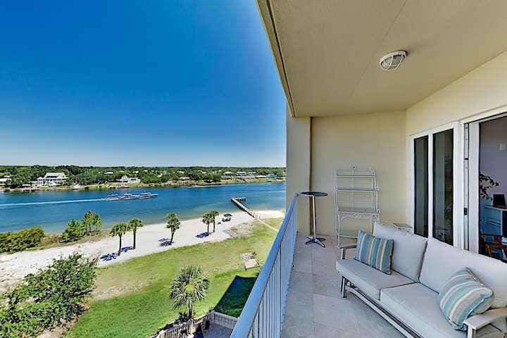 Stunning All-suite Getaway w/ Pool - Private Beach