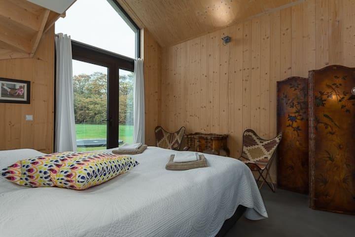 Masterbedroom, tweepersoonskamer.