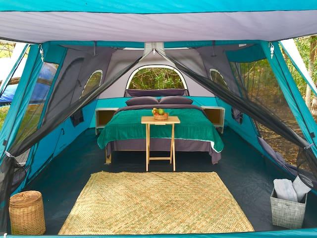 Campamento Despertar: Moon Tent