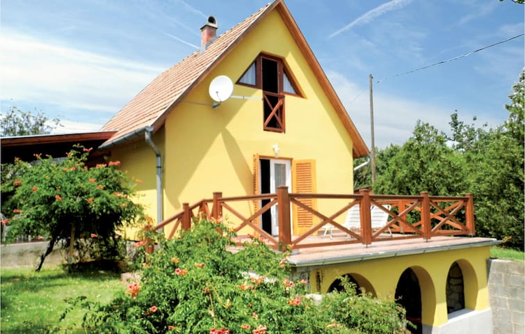 Holiday cottage with 2 bedrooms on 55m² in Balatongyörök