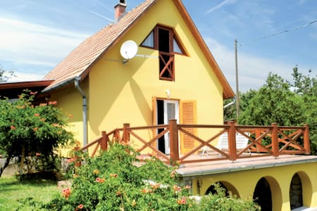Holiday cottage with 2 bedrooms on 55m² in Balatongyörök