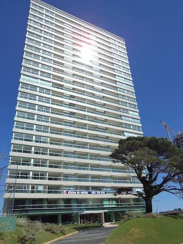 Excelente Dpto con Hermozas Vistas y Bien Ubicado - Punta del Este - Apartemen