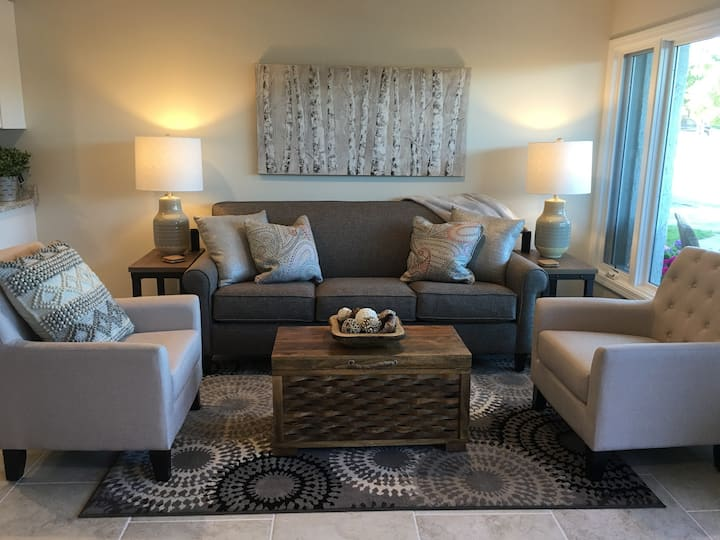 Charlevoix Waterfront Perfect for Small Family