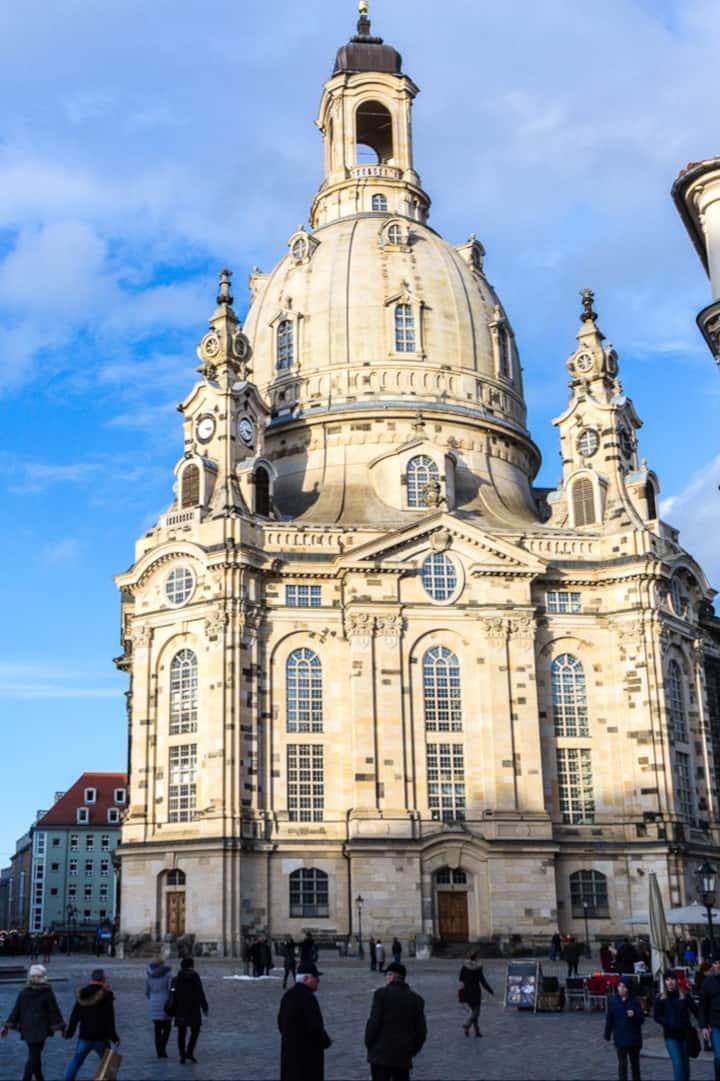 Wahrzeichen Dresdens: die Frauenkirche