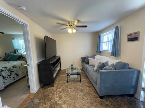 FULL Kitchen, dining, Living room Queen Bedroom #A