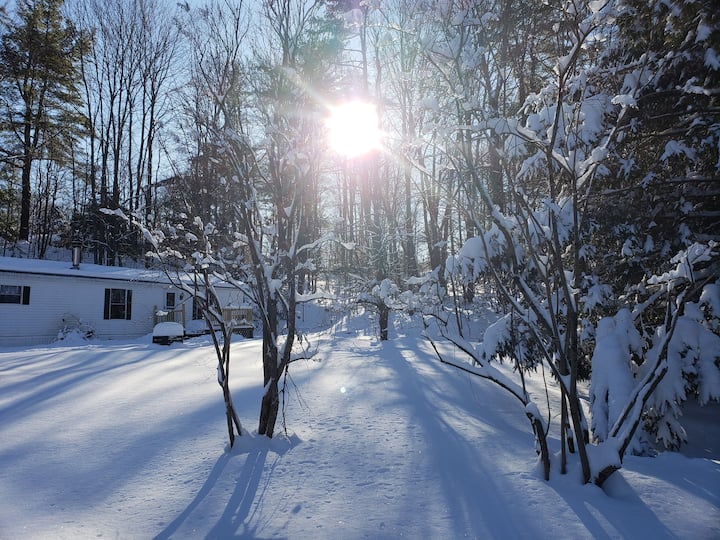 Ski, Hike, Explore! Cozy & Comfortable in Vermont