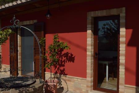 Casa di Buffi - Appartement - ruhig und gemütlich - Monsampietro Morico - Byt