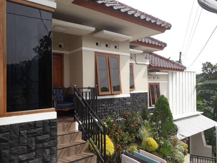 Homestay Cemara 7 Semarang - Syariah