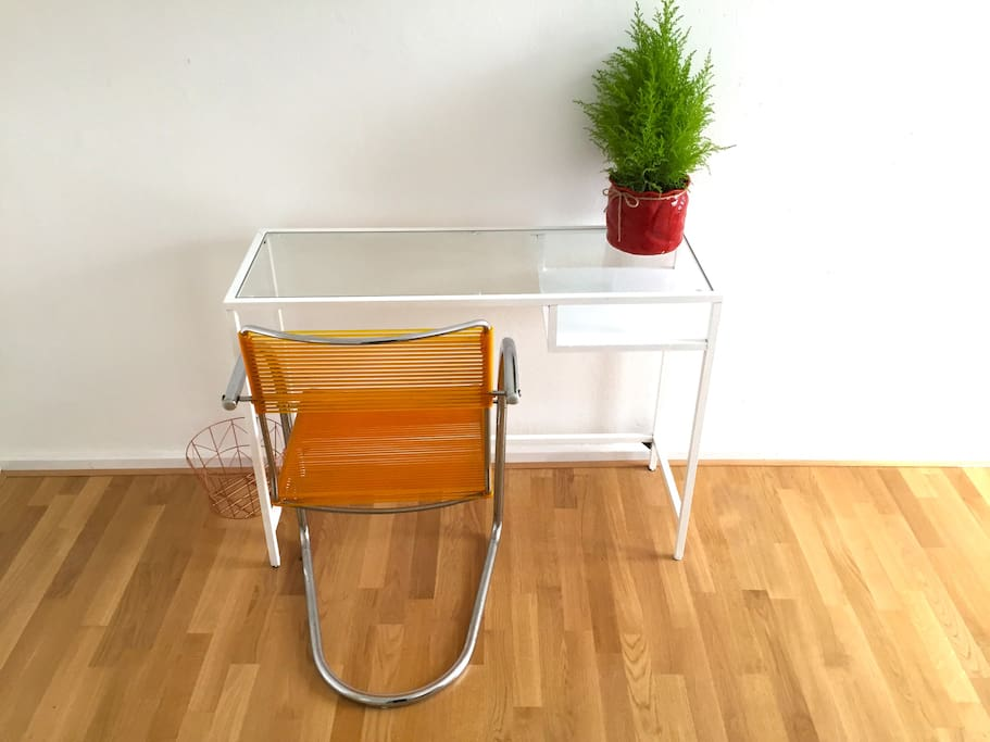 Small desk in room