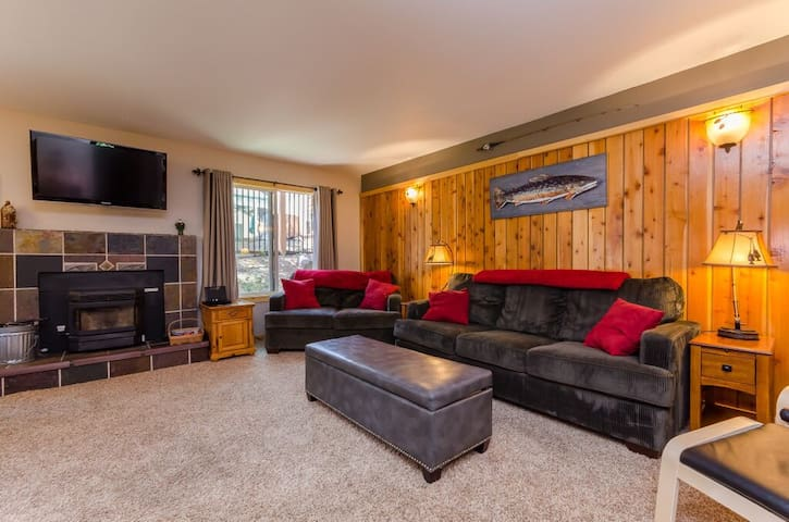 Cozy, Updated 1 Bedroom Condo - Mammoth Lakes - Pis