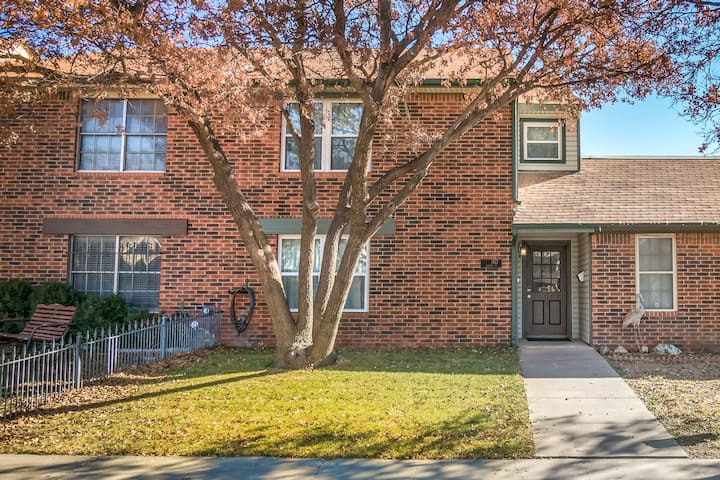 Charming Townhome with Three Master Suites