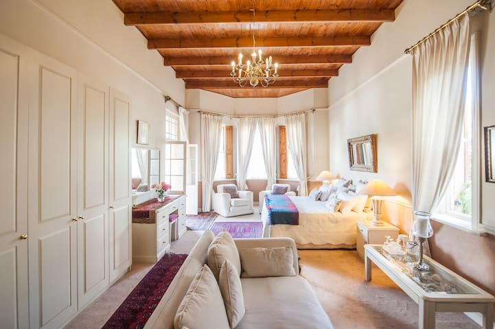 Connie's Cottages Montagu - Honeymoon Suite - Montagu - Apartment