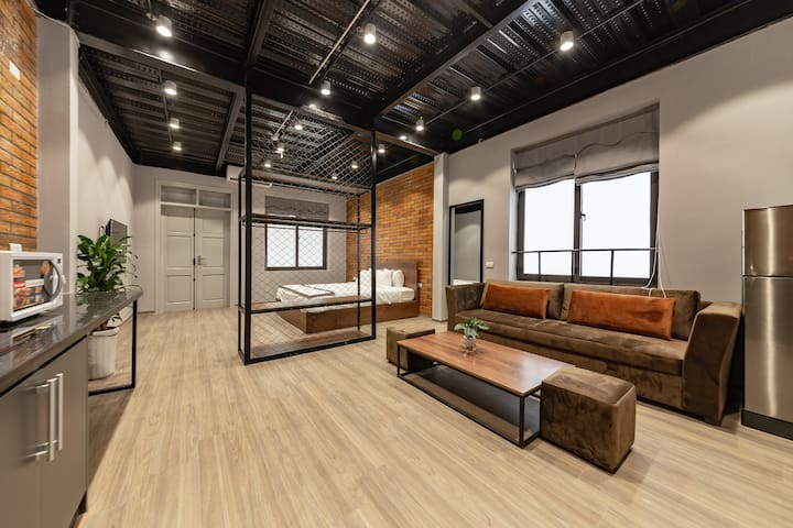 ⭐Industrial Room-LuxuryServicedApartment w Balcony