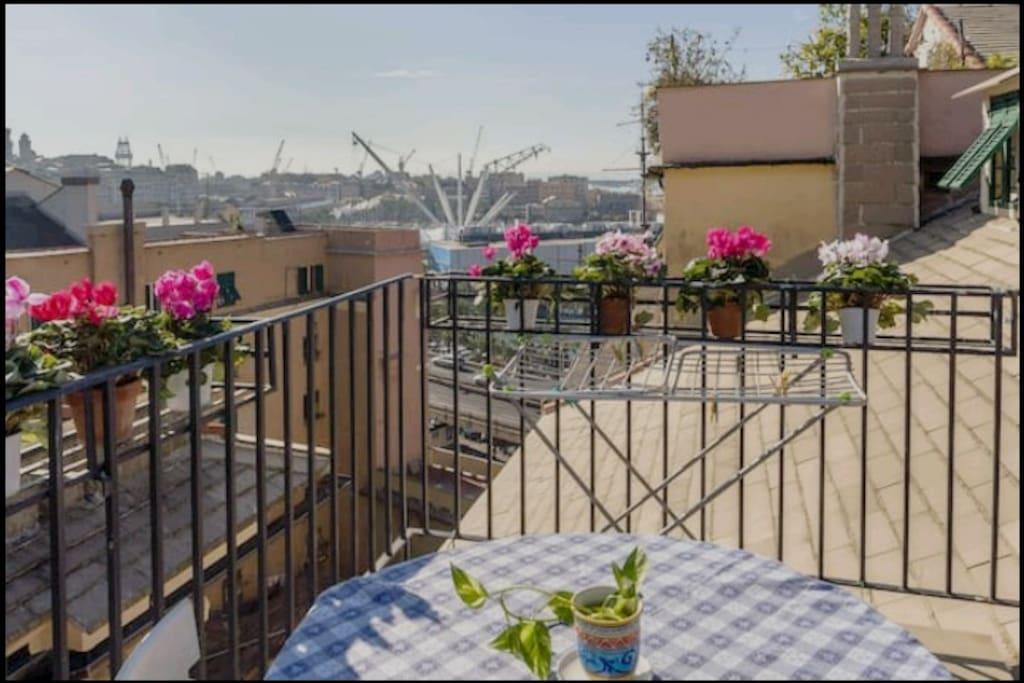 Terrazzo con vista Porto Antico - Acquario di Genova