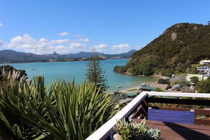 Bayside Holiday Home ~ Beautiful Bay views!