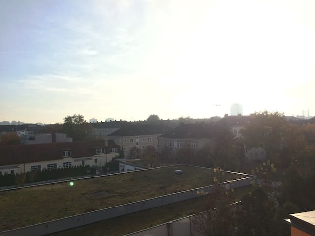 Spacious apartment for two with a fantastic view - Munich