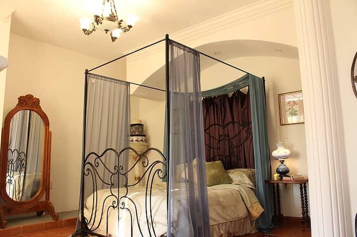 Lovely room in Mexican B&B! Cuarto Lavanda